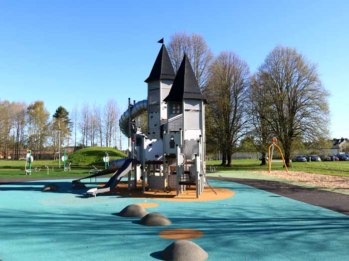 thilanderska castle themed playground